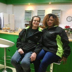 Even voorstellen: Hennie en Esty werken in de koffiecorner van RataPlan Capelle a/d IJssel