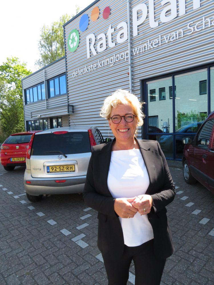 Deborah, stralend voor RataPlan Schagen.