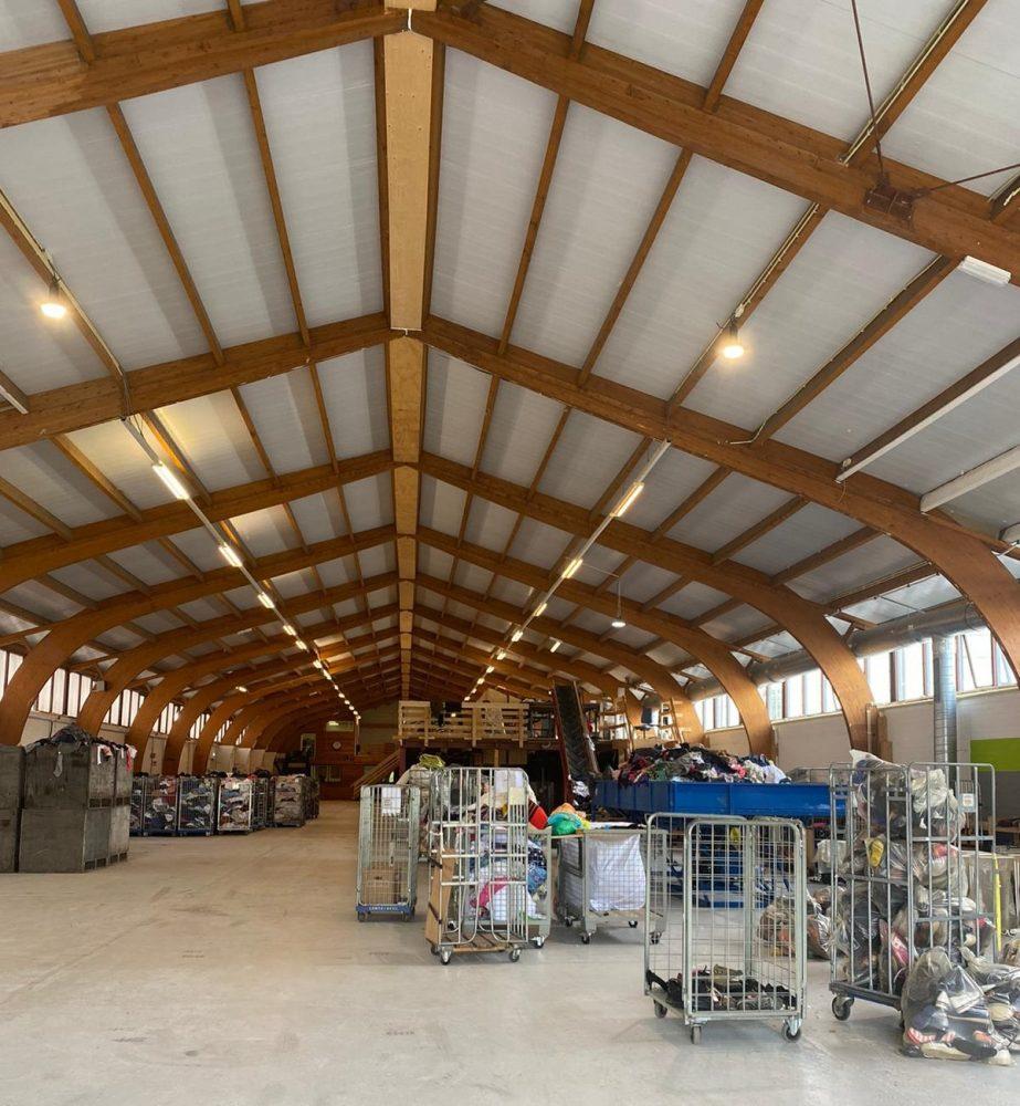 Een overzichtsfoto van de recyclefabriek.